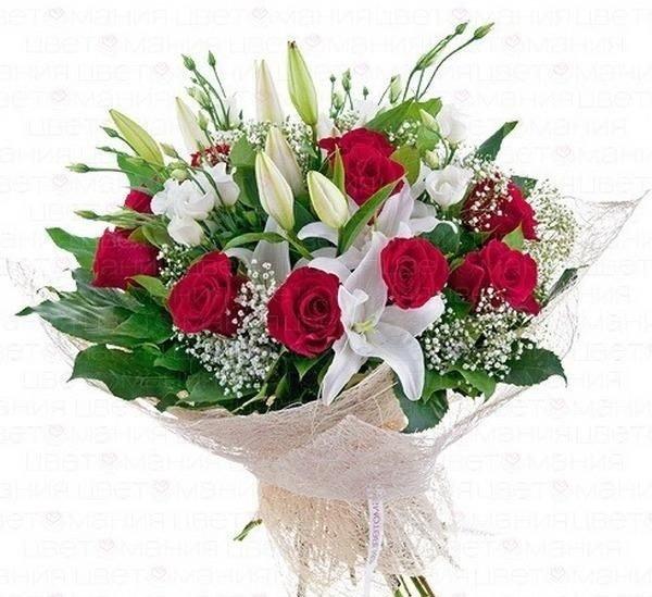 Liliju, rožu un lizanšu pušķis
