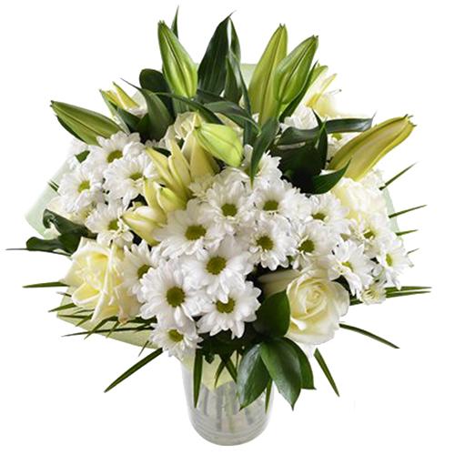 Liliju, rožu un krizantēmu pušķis