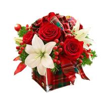 Kompozīcija ar rozēm un lilijām