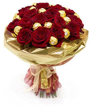 Sarkano rožu un konfekšu pušķis