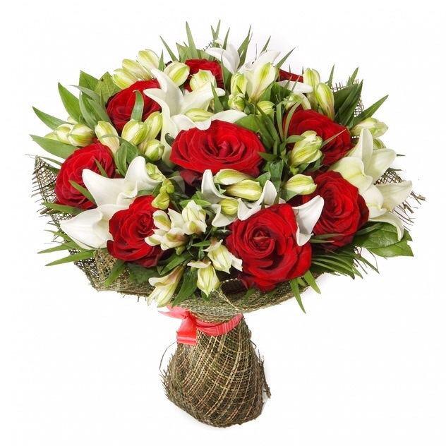 Rožu, liliju un alstromēriju pušķis