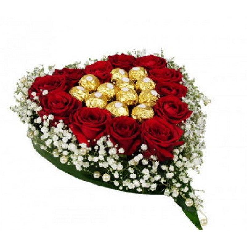 Rožu un Ferrero Rocher sirds