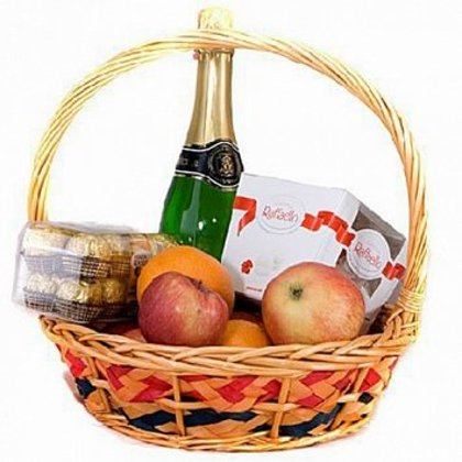 Augļu un saldumu grozs ar Rīgas šampanieti 11,5%